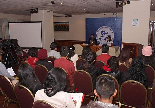 """Jóvenes de todo el Perú participan en programa  """"Juventudes y Ciudadanía Política para la Gobernanza Democrática"""""""