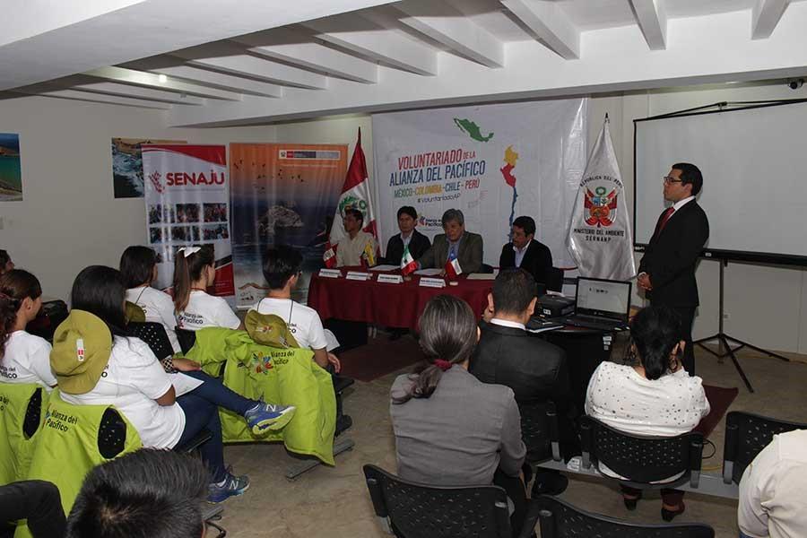 Paracas recibe a jóvenes voluntarios de la Alianza Pacífico que afianzarán su relación con el medio ambiente