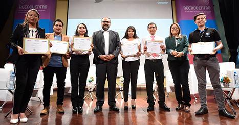 Senaju premia a los ganadores del Premio Nacional de la Juventud 2018